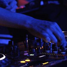 DJ Mixers & players huren